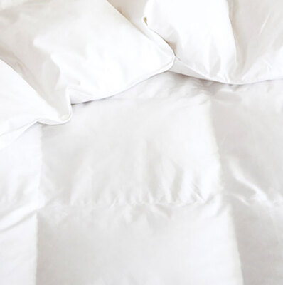 Cuddledown/拥软 700 Fill Power Sateen Down Comforter